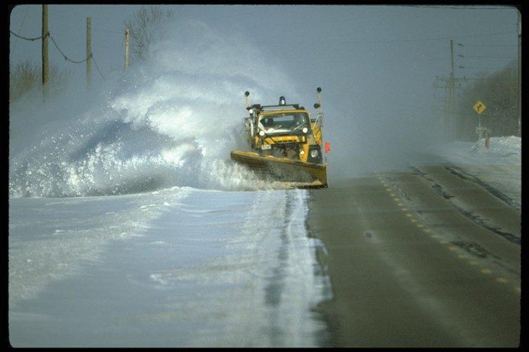 Власти обеспечили круглосуточную расчистку снега