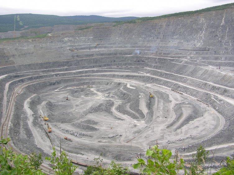 Железная руда за полгода подешевела более чем на один процент