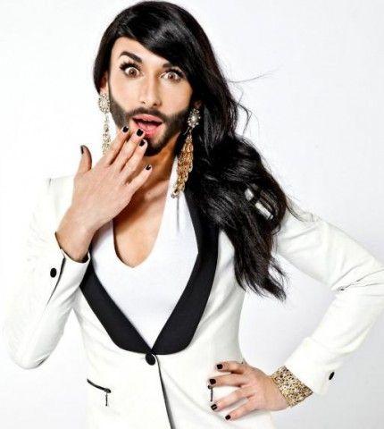 Как выглядит победитель «Евровидения» без бороды? (фото)