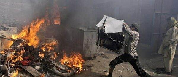 Из-за поста в Facebook в Пакистане разыгралась трагедия