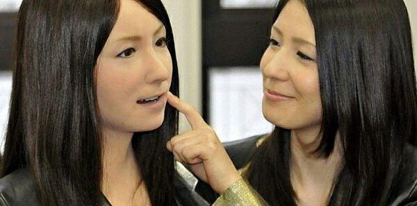 Японцы построят первый отель с персоналом-роботами