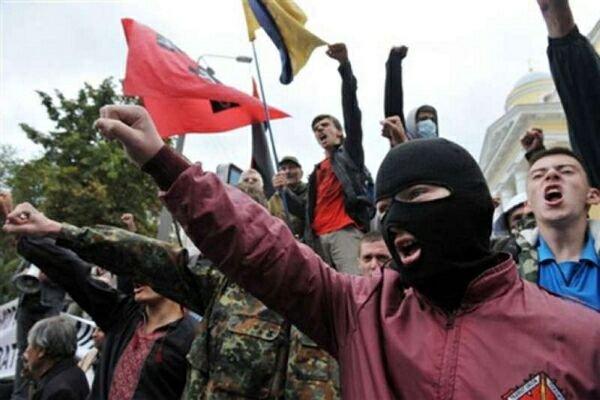 Сторонники «Правого сектора» напали на собор в украинских Сумах