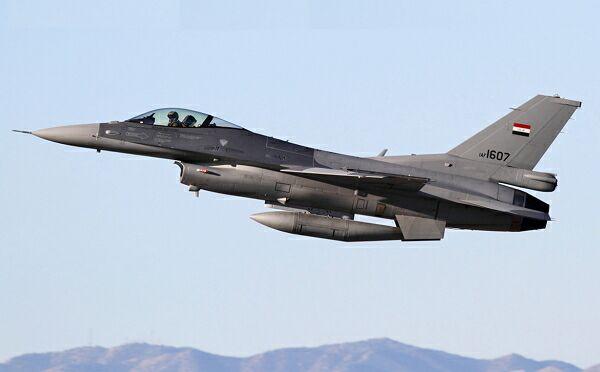 Боевой самолет Иракских ВВС случайно разбомбил жилой квартал в Багдаде