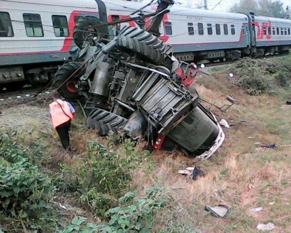 Поезд «Сухуми-Москва» наехал на комбайн