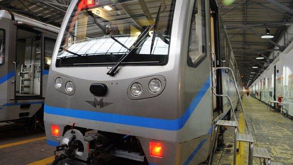 Поезд на автопилоте начал курсировать в московской подземке