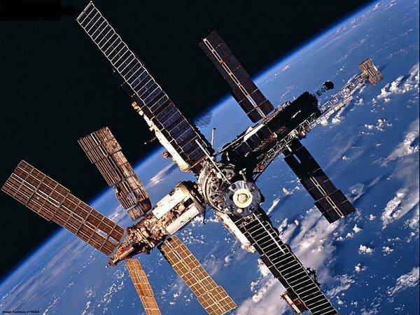 Станция «Мир» отмечает 30-летие вывода на космическую орбиту