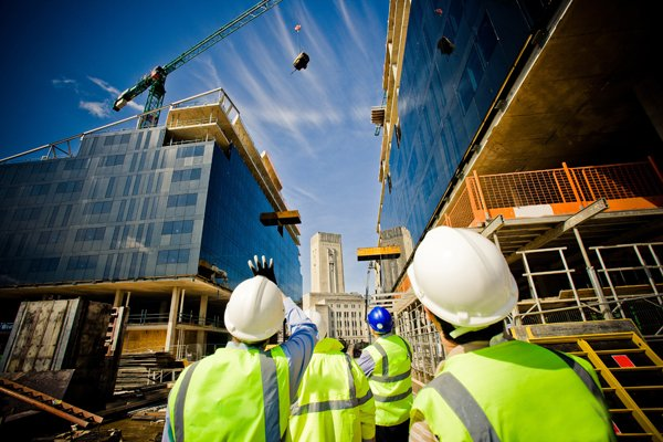 Строительный бизнес страдает от снижения активности покупателей в период кризиса