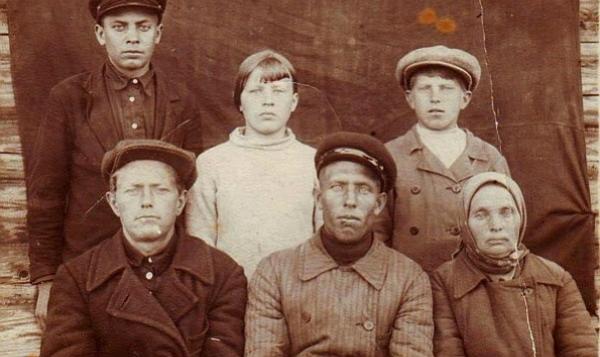 Треть россиян имеют родственные связи