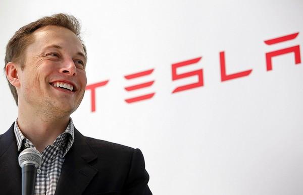 Основатель Tesla и SpaceX разрабатывает интерфейс «мозг-компьютер»