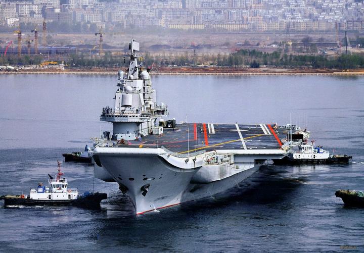 Первый произведенный в Китае авианосец был спущен на воду