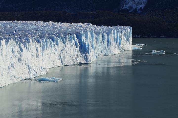 Гигантский айсберг отделился от Антарктиды. Что о нем известно?