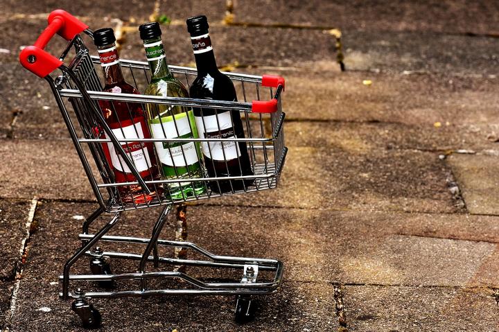 Минздрав предложил не продавать алкоголь в выходные дни