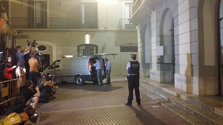В Каталонии эксгумировали останки художника Сальвадора Дали