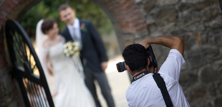 Семейная пара проиграла суд фотографу и заплатит больше миллиона долларов