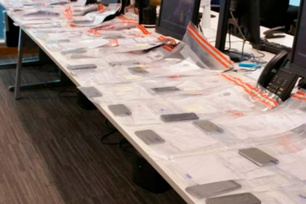 В Британии на рок-концерте украли 53 телефона