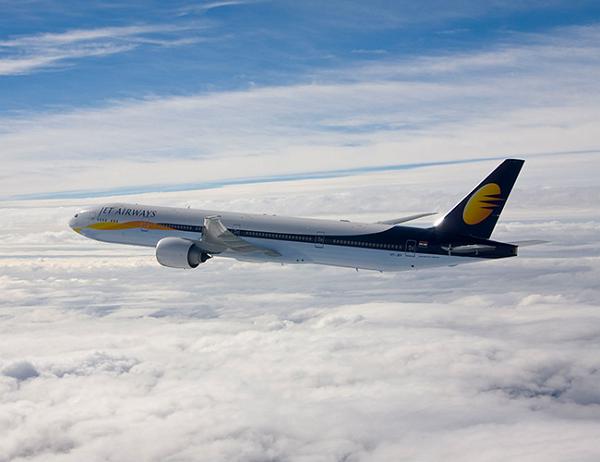 В Индии пилот во время рейса ударил коллегу по лицу