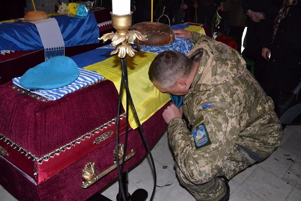 Украинские военнослужащие все чаще сводят счеты с жизнью