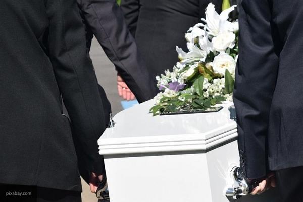 Американская школьница приехала на выпускной бал в гробу