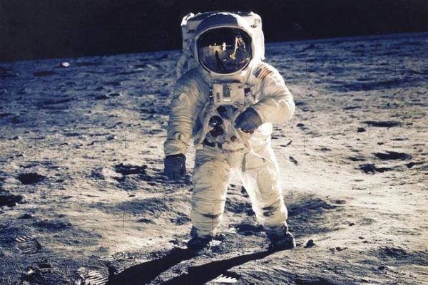 Огромное пятно в сотни тысяч километров было обнаружено астронавтами на Солнце