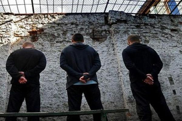 Заключенные напали на сотрудника колонии