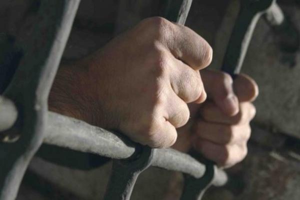 В Приморье заключенный подтолкнул сокамерников к суициду