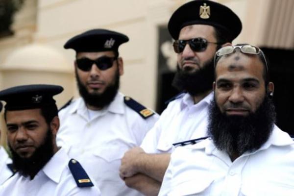 Полицейским Египта запретили носить бороды