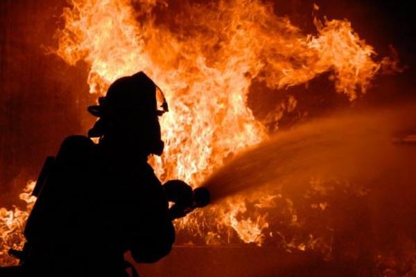 Мальчик спас от пожара трех человек