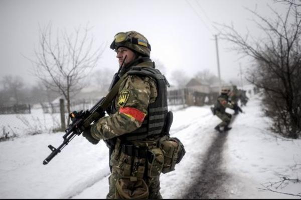 Украинские пехотинцы разграбили  пансионат