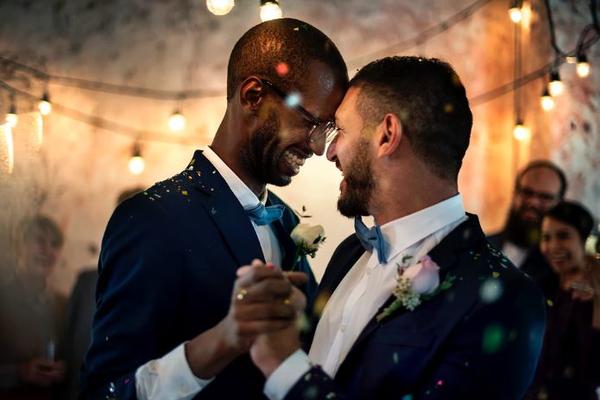 Фотографов привели в бешенство правила гей-клуба