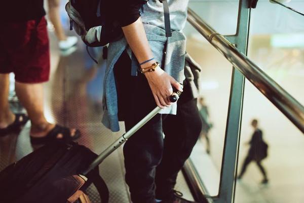 В аэропорту задержали мужчин, сдавших товарища в багаж