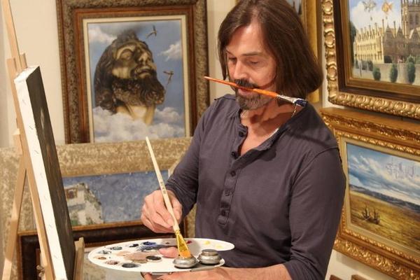 Утонули сотни картин Никаса Сафронова