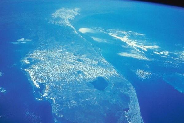 У западного побережья Северной Америки обнаружено локальное повышение температуры