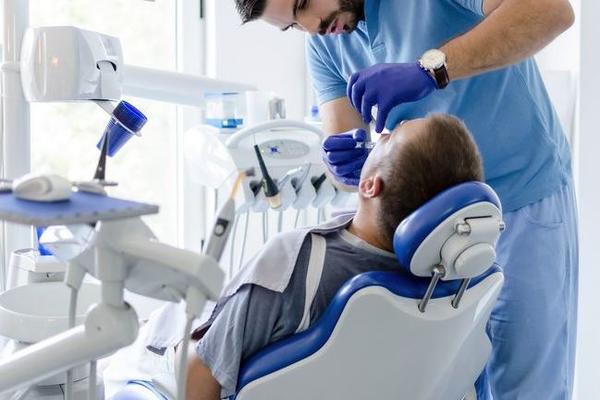 Мужчина убил стоматолога из-за зубной боли