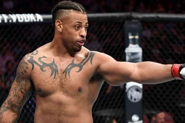 Из-за ингалятора боец UFC лишился победы