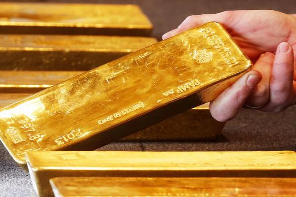 Россиянка попыталась на ступнях вывезти почти 2 кг золота