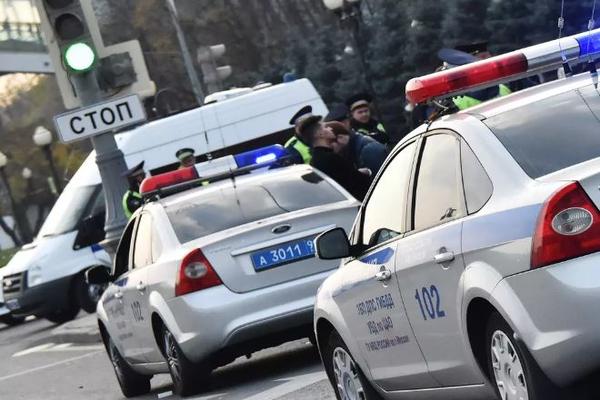 У безработного москвича отобрали 135 тысяч долларов