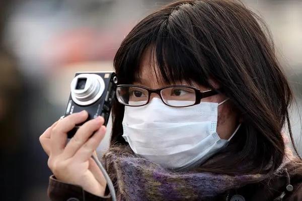 Зараженная коронавирусом китаянка переполошила целый российский дом