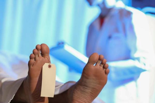 Тело первого умершего от коронавируса было вскрыто в КНР