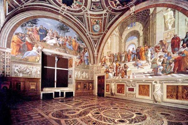 На фреске в Ватикане обнаружились автографы украинских туристок