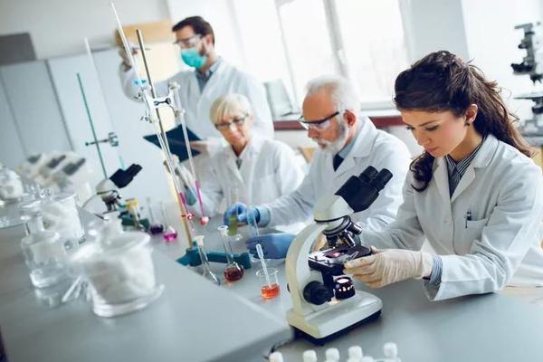 Французские ученые провели успешное испытание лекарства от коронавируса