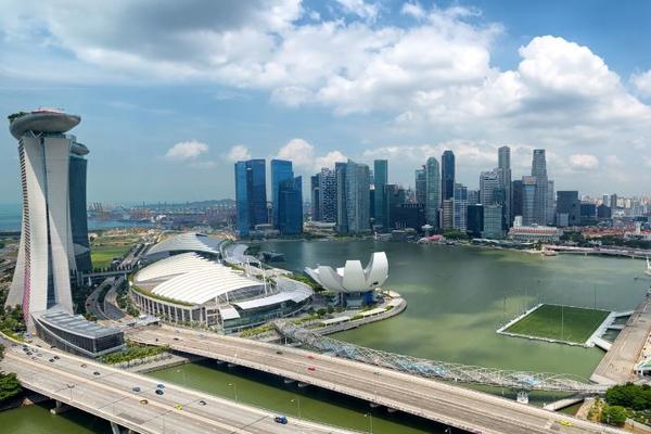Жителю Сингапура аннулировали паспорт за нарушение карантина