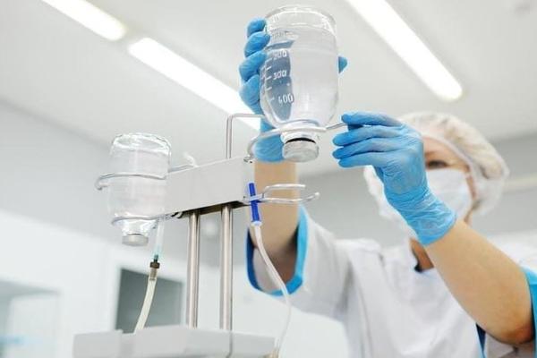 Вернувшаяся из ОАЭ медсестра заразила пациентов коронавирусом