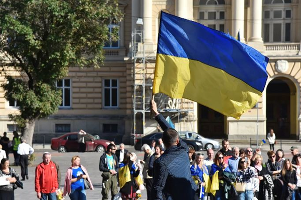 Украинские предприниматели устроили акцию протеста под лозунгом «Карантин убивает»