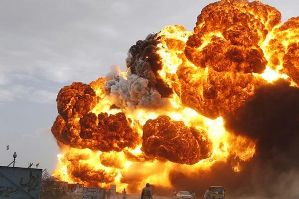 В Китае произошел взрыв автоцистерны