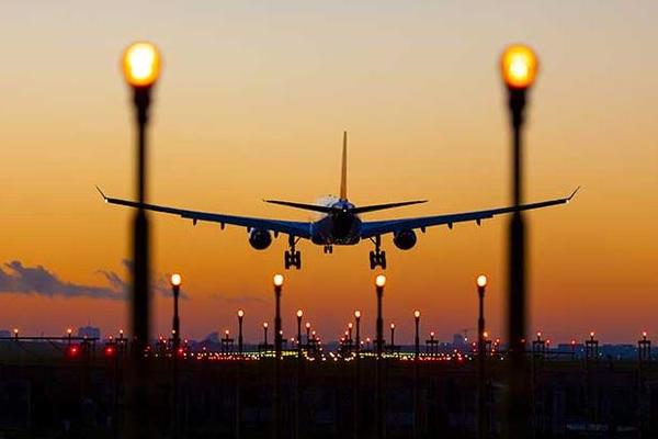 Иностранцам порекомендовали избегать поездок в Россию