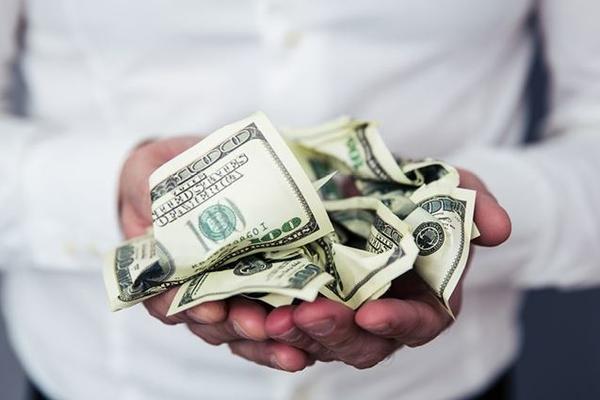 Власти России помогут богачам