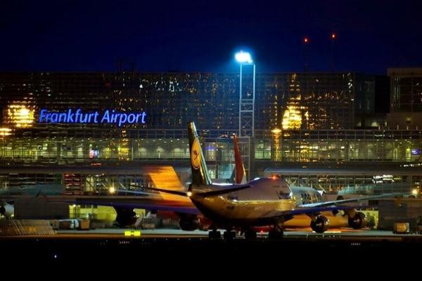 Авиапассажирам из Великобритании запретили покидать здания аэропорта в Германии