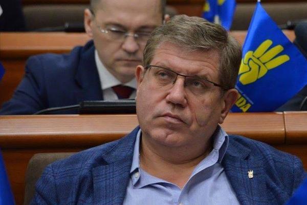 Экс-депутат Верховной рады Украины устроил поножовщину