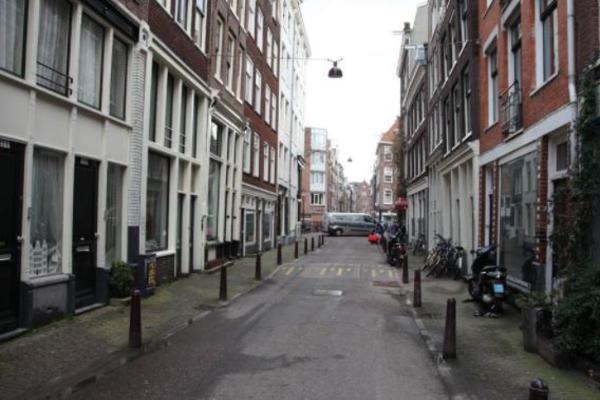 В Амстердаме найден ребенок в мусорке