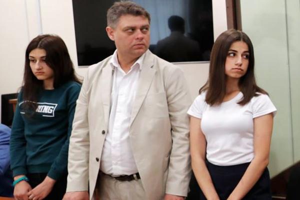 Сестры Хачатурян признаны потерпевшими